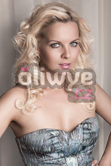 Vlasy clip in on remy #60 platinová blond 40cm 120g